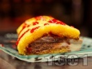 Рецепта Сладоледено пандишпаново руло с 2 вида сладолед и сладко от малини или ягоди